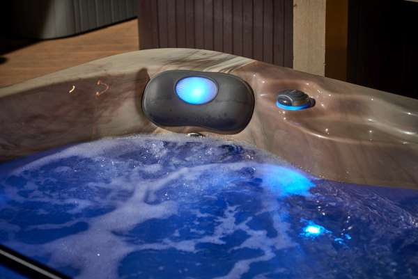 Spas & Hot Tubs Page Photo