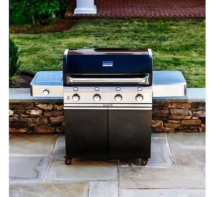 Saber Cast Black 670 Grill Small patio